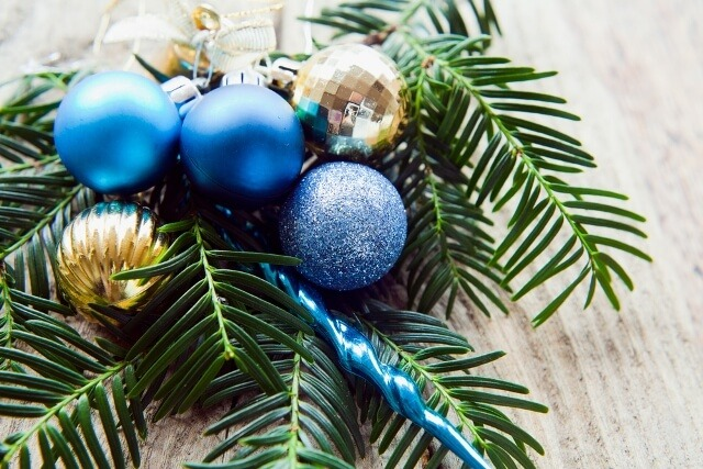 blue-christmas-decor-trends