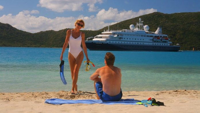 booking cruise ships holidays